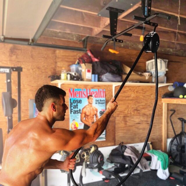 Multi pull up bar workout station for the home